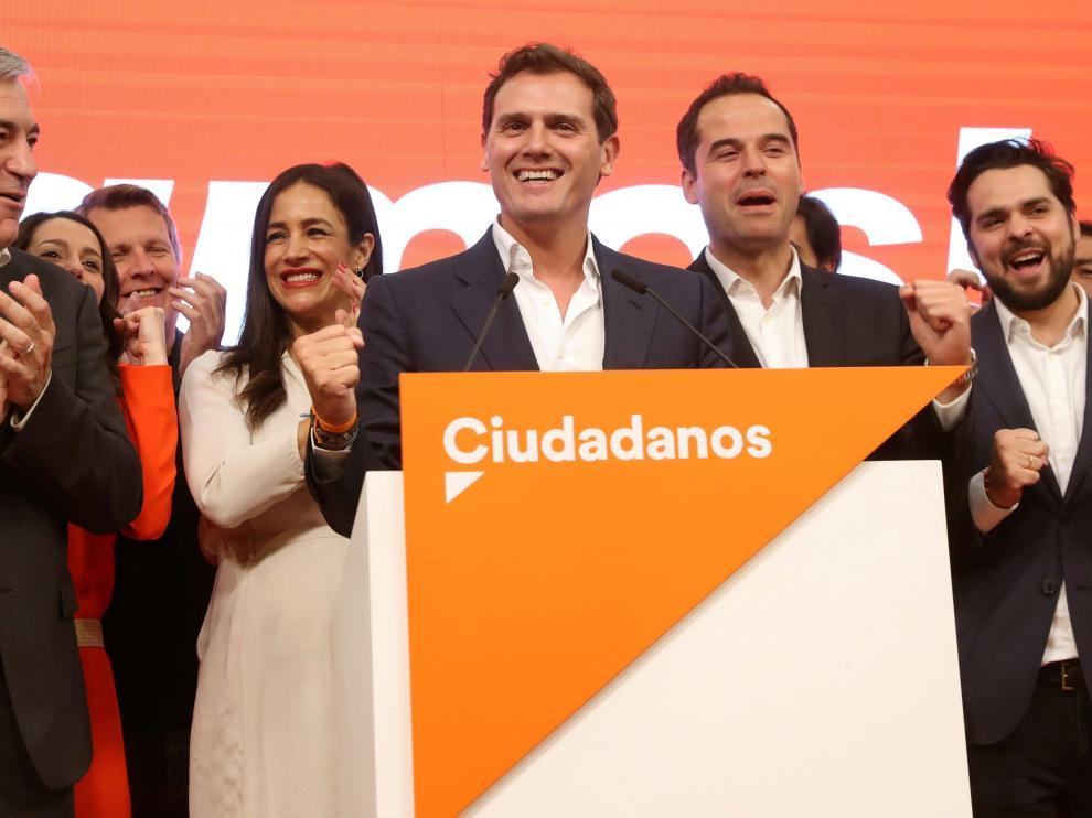 El líder de Cs, Albert Rivera, celebra los resultados de las elecciones autonómicas y municipales.