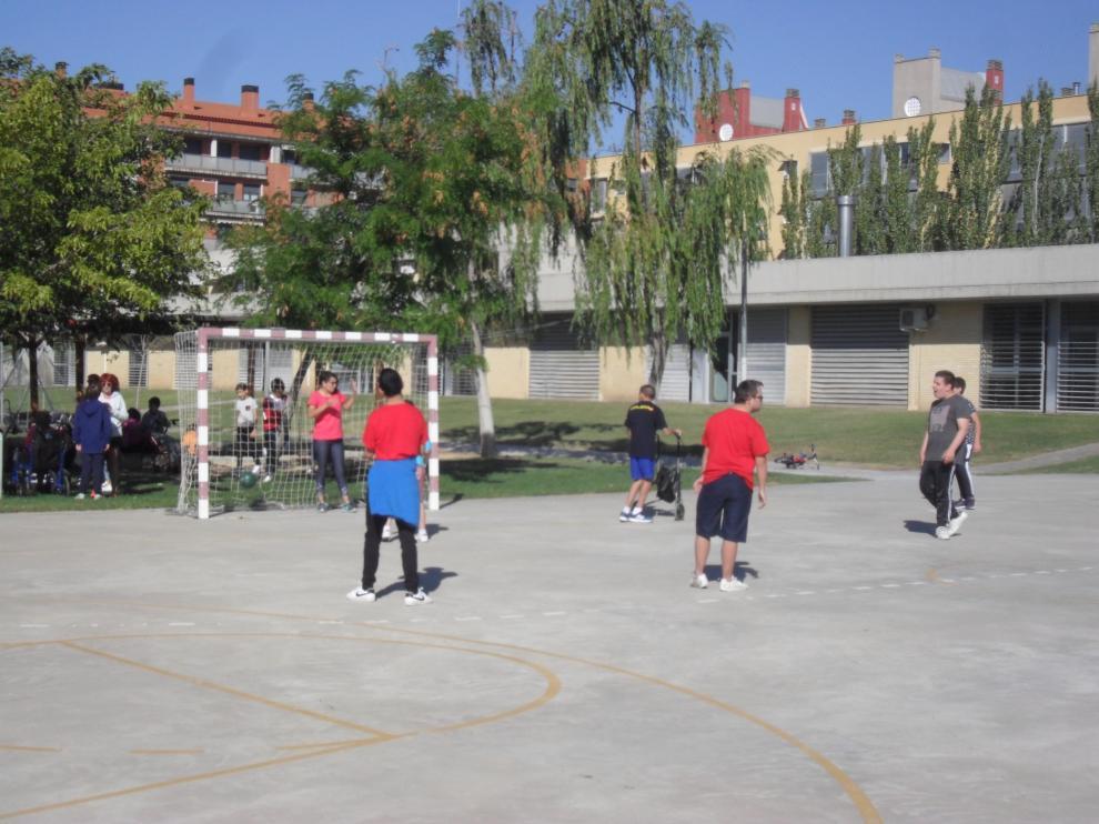 Patio del colegio Jean Piaget, uno de los centros donde hay colonias de verano para niños con necesidades especiales.