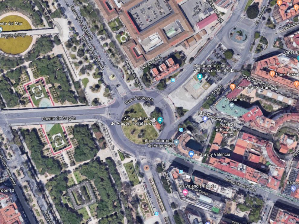El suceso ha tenido lugar en la rotonda de la plaza de Zaragoza con la avenida de Aragón.