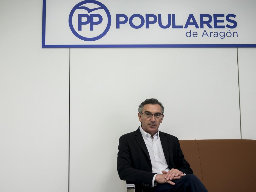 Beamonte, en su despacho de la sede del PP-Aragón