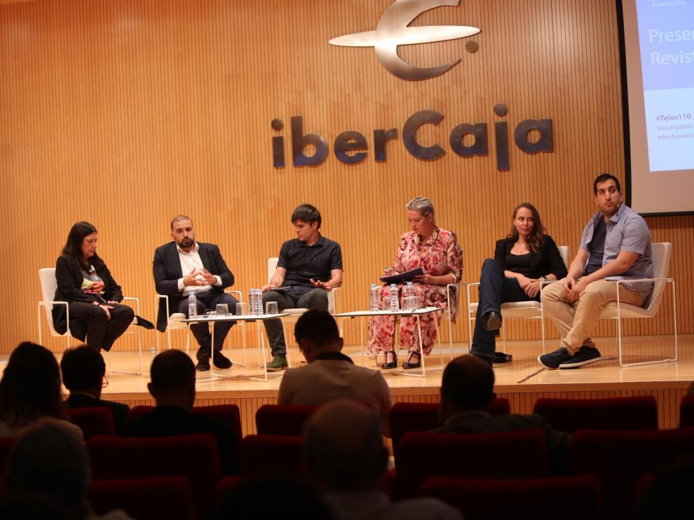 Ibercaja ha sido la sede de la jornada 'El cerebro ya está en la nube' organizada por ADEA y la Fundación Telefónica