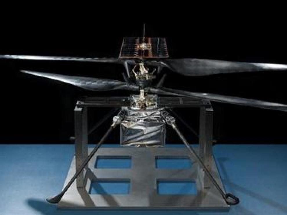 El primer helicóptero de Marte supera pruebas clave de funcionamiento.