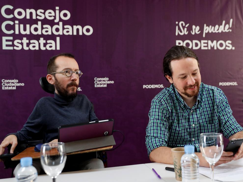 Pablo Echenique y Pablo Iglesias este sábado en el Consejo Ciudadano Estatal de Podemos.