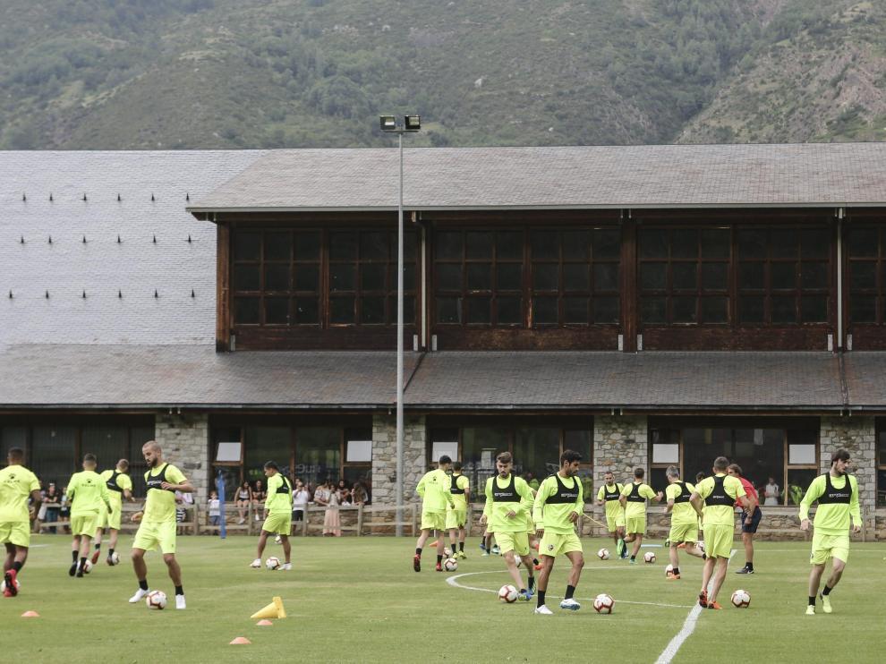 Entrenamiento de la SD Huesca en Benasque / 10-7-18 / Foto Rafael Gobantes [[[FOTOGRAFOS]]]