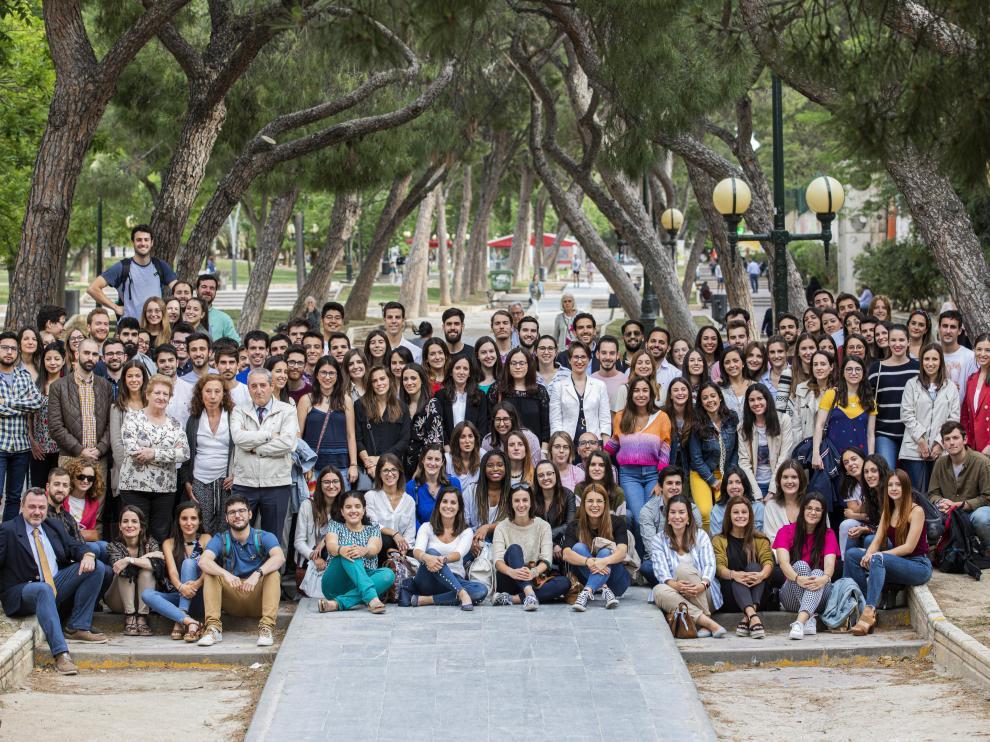 Los médicos residentes que se incorporan este año a los centros sanitarios de la provincia Zaragoza, durante el acto de bienvenida del Colegio de Médicos de Zaragoza.