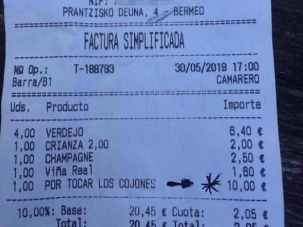 Esta sorprendente factura, emitida por un bar de Bermeo (Vizcaya), se ha vuelto viral en redes sociales.