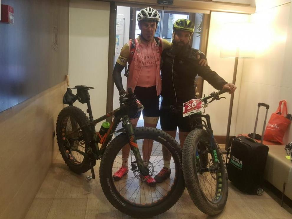 Jorge de Vicente e Iván Vázquez 'El Barbas', listos para iniciar en Gijón este miércoles la prueba