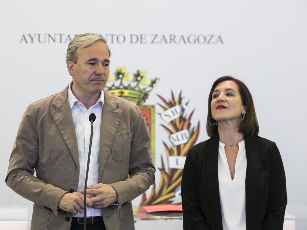 Jorge Azcón y Sara Fernández