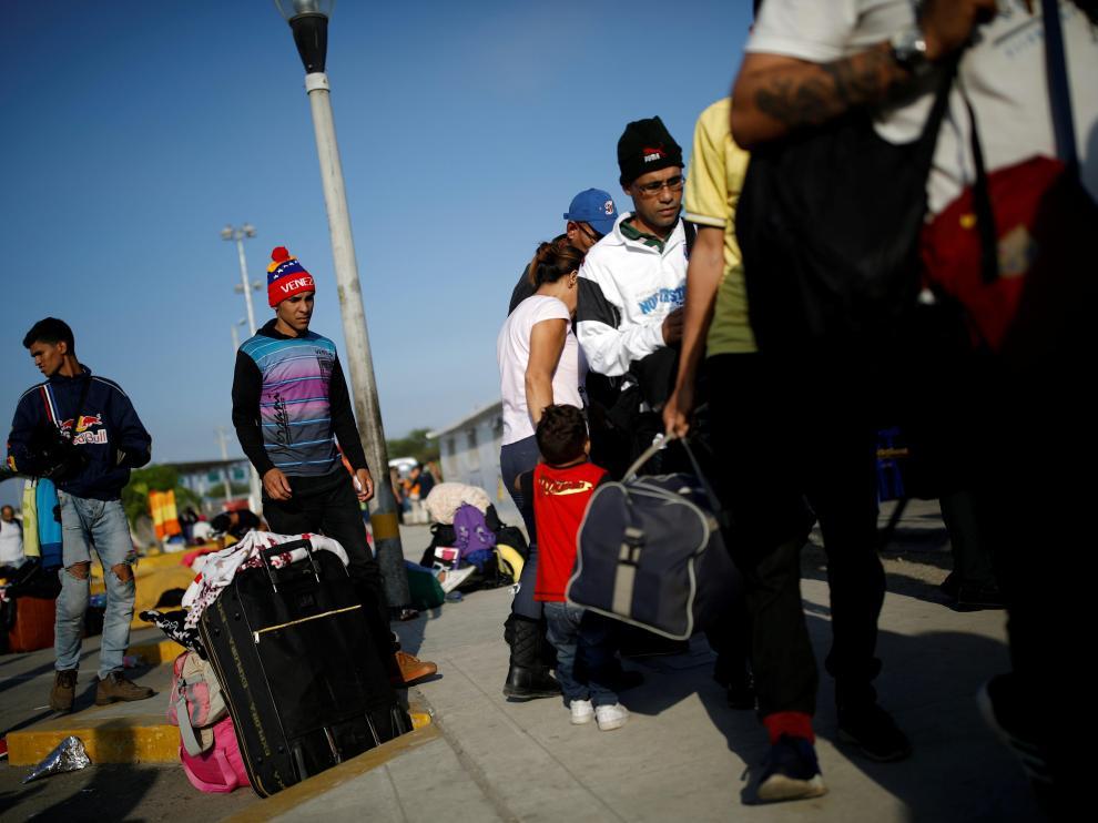 Venezolanos en las fronteras de Perú y Ecuador.