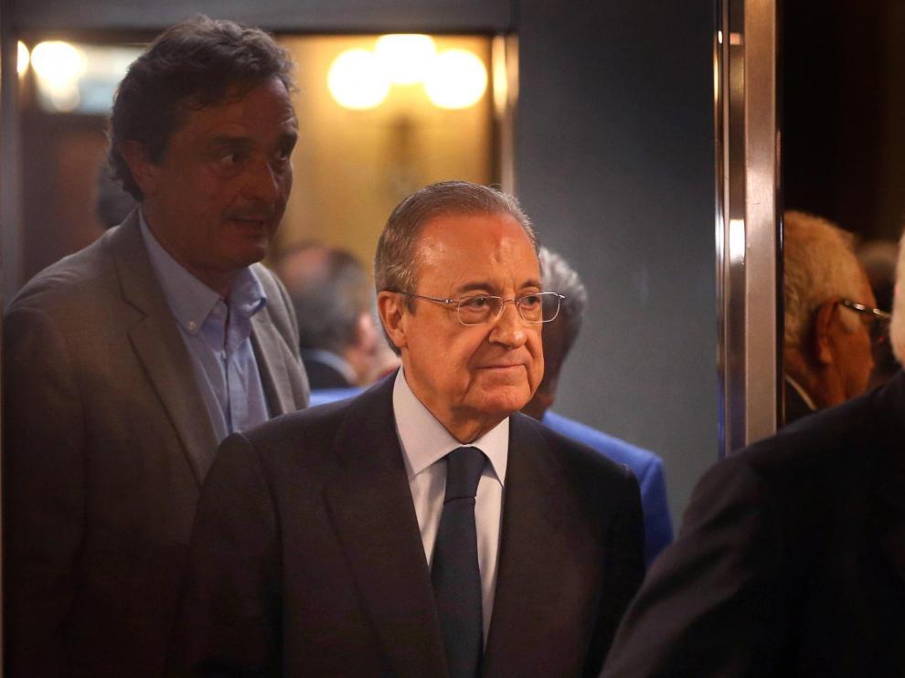 Florentino Pérez a su llegada al Parlament.