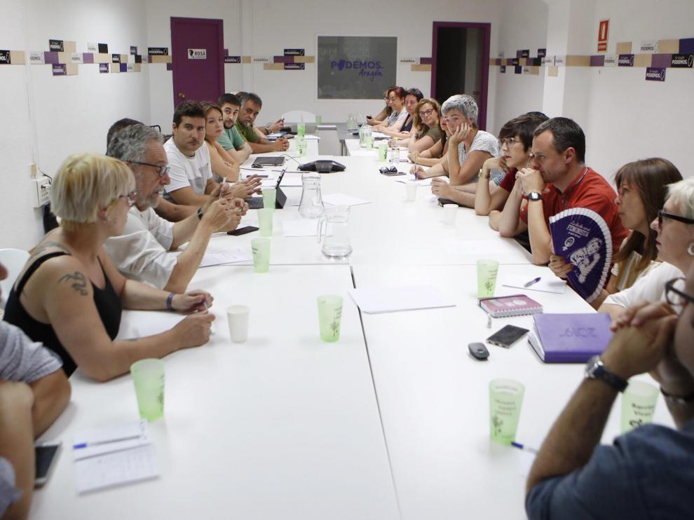 Consejo Ciudadano de Podemos Aragón en el que ayer se acordó explorar las posibilidades para la investidura y la Mesa de las Cortes.