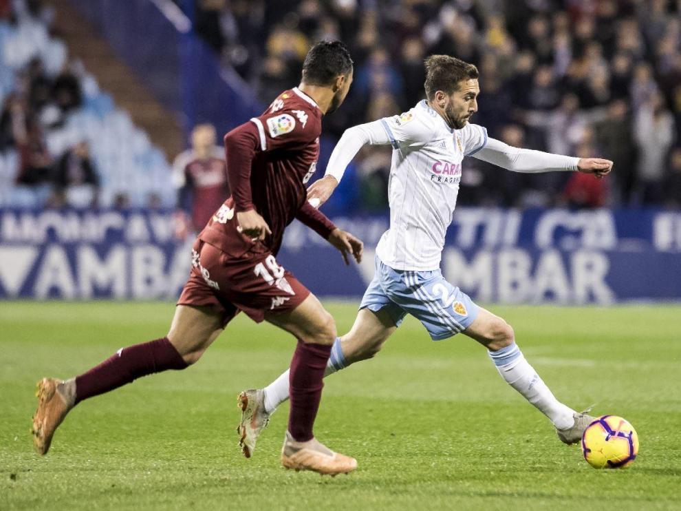 Alberto Benito, el '2' del Real Zaragoza en las dos últimas campañas, en el partido ante el Córdoba en La Romareda en la reciente liga.