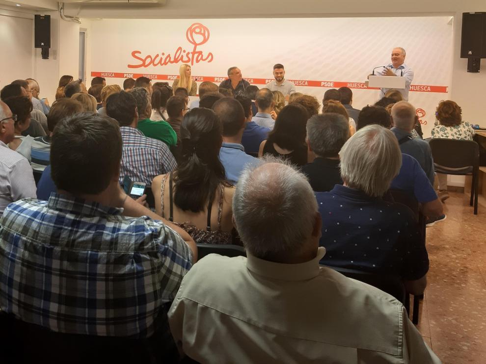 Miguel Gracia interviene ante el Comité Provincial del PSOE Alto Aragón.