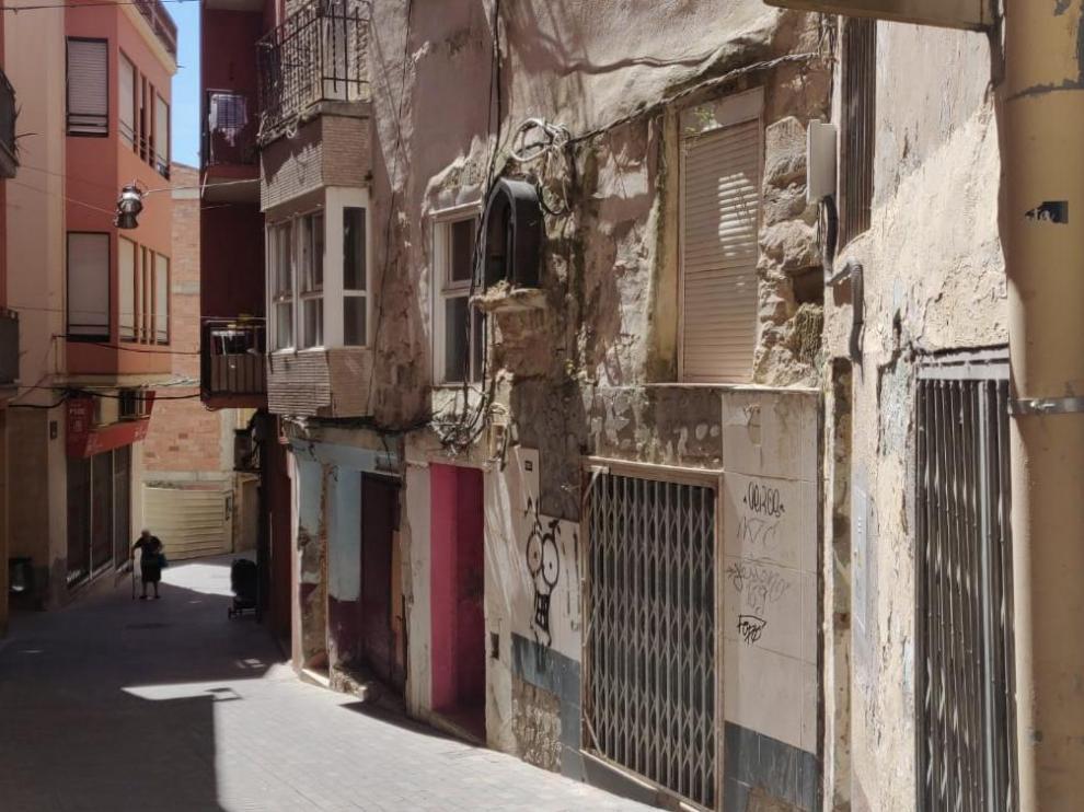 Una de las calles del casco histórico de Fraga.