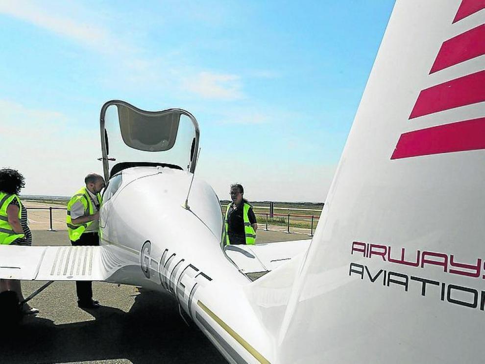 Jornada de puertas abiertas de la escuela de pilotos Airways Aviation en el Aeropuerto de Huesca /Foto Rafael Gobantes / 27-5-17 [[[FOTOGRAFOS]]]