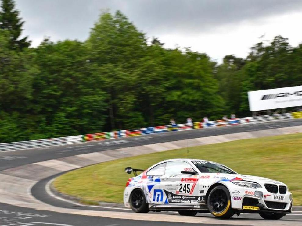 El BMW de Guillermo Aso, en plena acción en Nürburgring