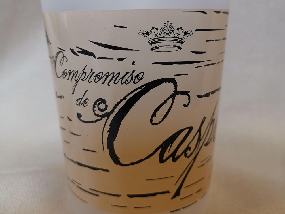 El vaso se venderá en la oficina de Turismo, por un euro.