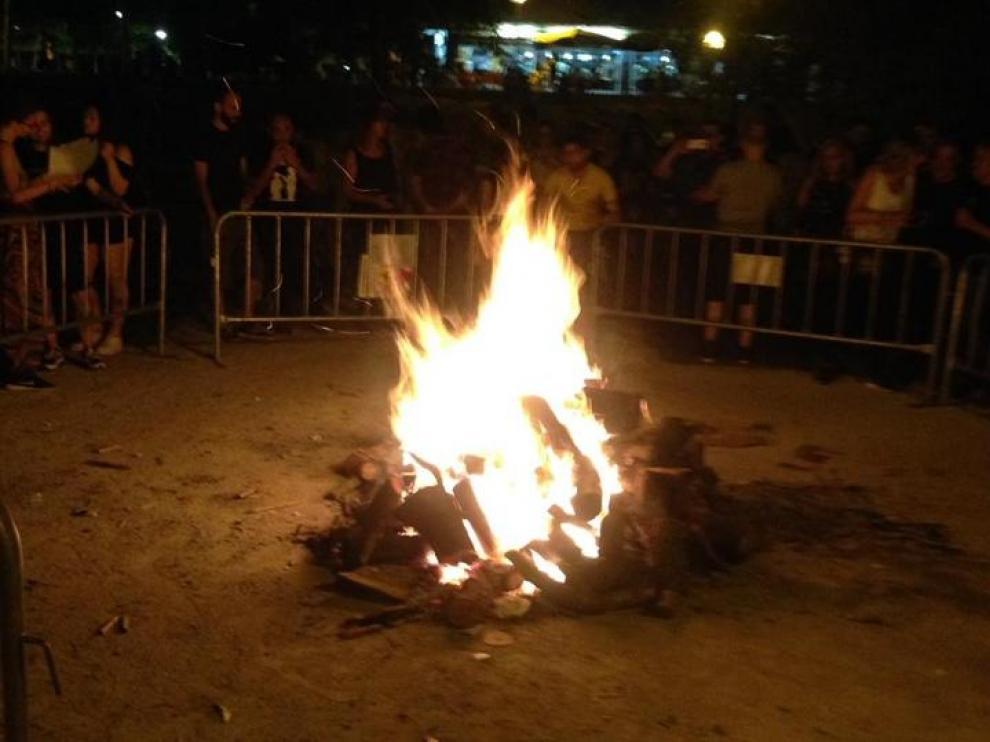 La hoguera del pasado 23 de junio en el parque Bruil