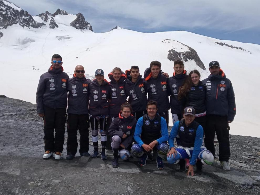 Los deportistas del Cetdi Aragón Alpino ya se encuentran en el glaciar francés de Les Deux Alpes