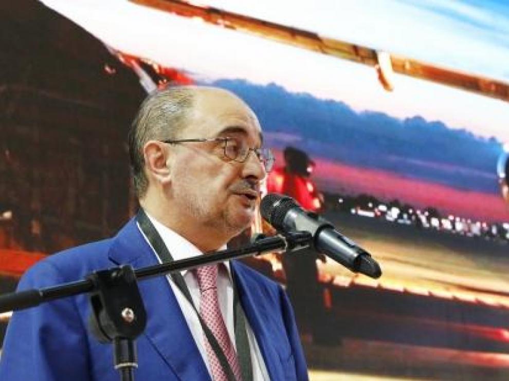El presidente en funciones de Aragón, Javier Lambán, en el Salón Internacional de Logística