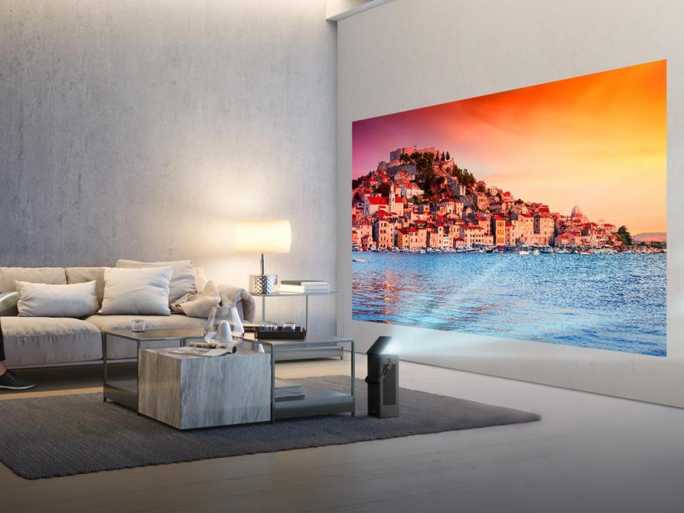 El proyector de LG cuenta con Smart TV.