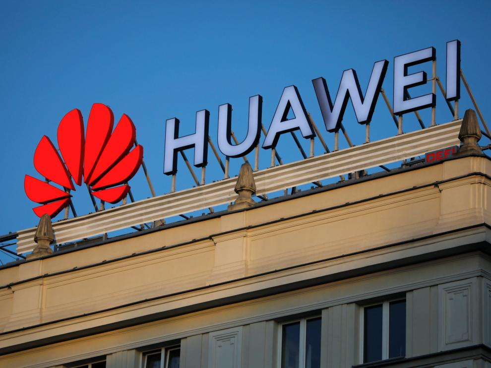 The Huawei logo is pictured in central Warsaw, Poland, June 17, 2019. Picture taken June 17, 2019. To match Special Report HUAWEI-POLAND/SPYING REUTERS/Kacper Pempel [[[REUTERS VOCENTO]]] HUAWEI-POLAND/SPYING