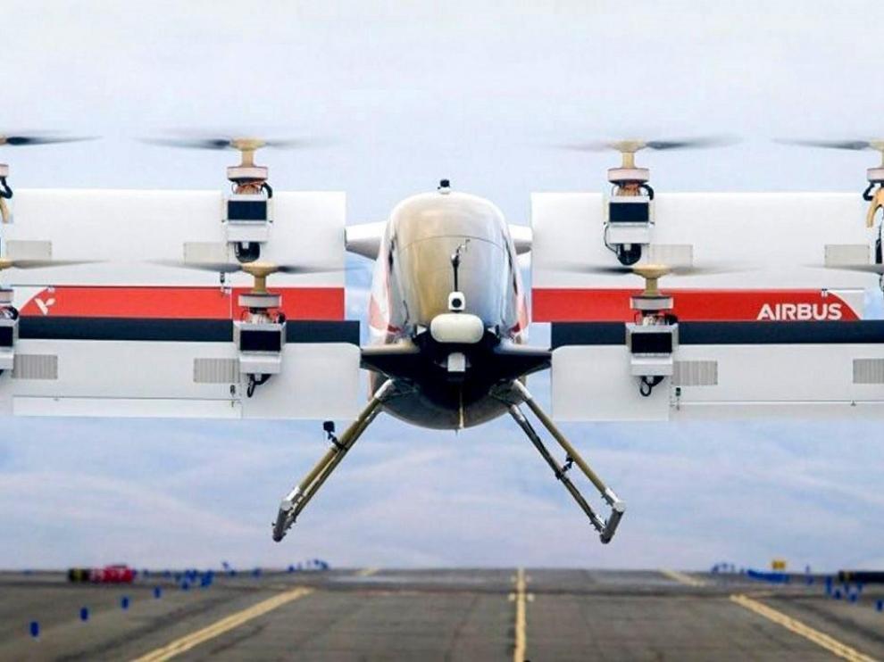 Prototipo de taxi volador 'Vahana' despegando verticalmente.