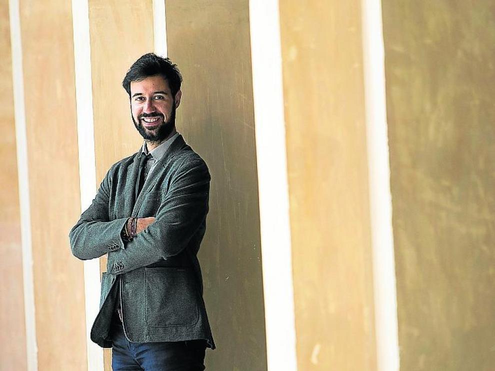 Andrés Dueñas Castrillo, en el palacio de la Aljafería.
