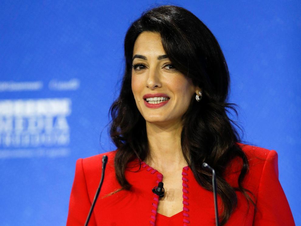 Amal Clooney, este jueves en la conferencia global sobre libertad de prensa celebrada en Londres.