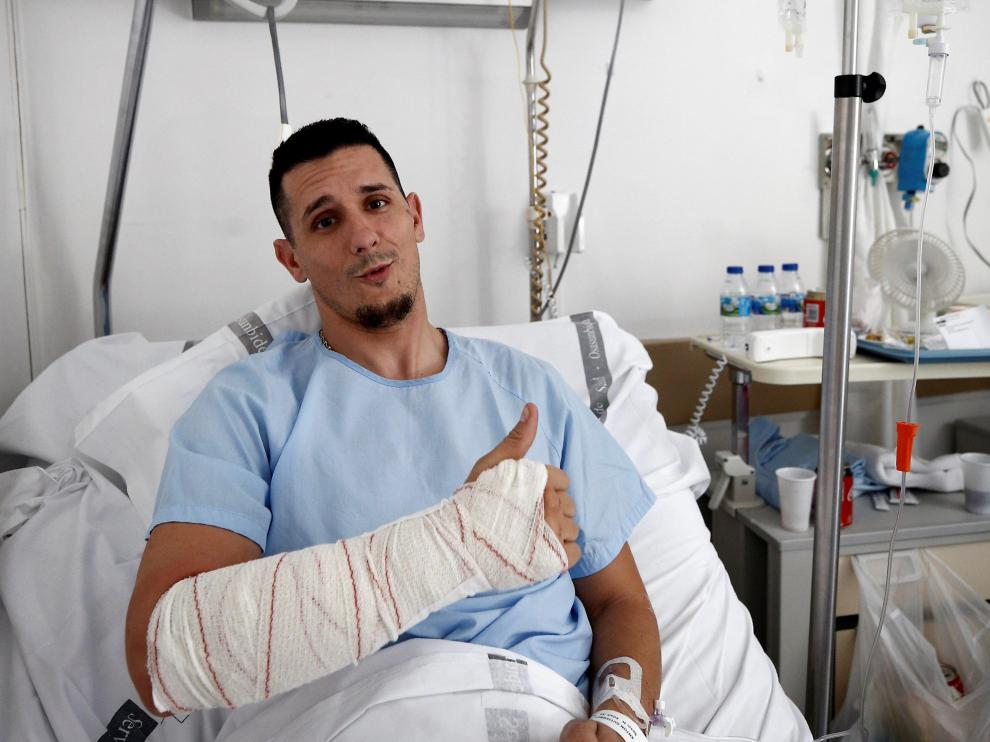 Said Antón Gutiérrez recibió una cornada de 11 centímetros en el brazo en un encierro de San Fermín.