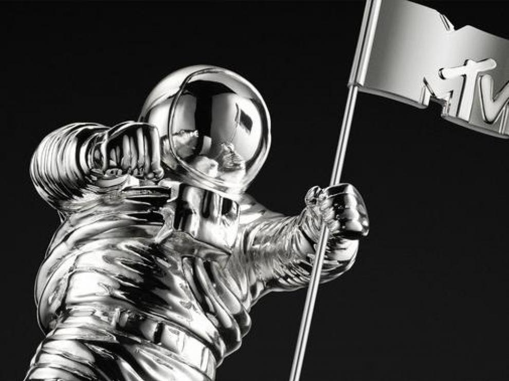La estatuilla de los premios MTV Video Music Awards, instituidos en 1984 para los mejores videoclips del año, es un astronauta plantando una bandera.