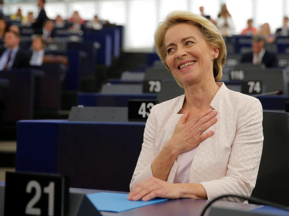 Elected European Commission President Ursula von der Leyen reacts after a vote on her election at the European Parliament in Strasbourg, France, July 16, 2019. REUTERS/Vincent Kessler [[[REUTERS VOCENTO]]] EU-JOBS/VONDERLEYEN-VOTE