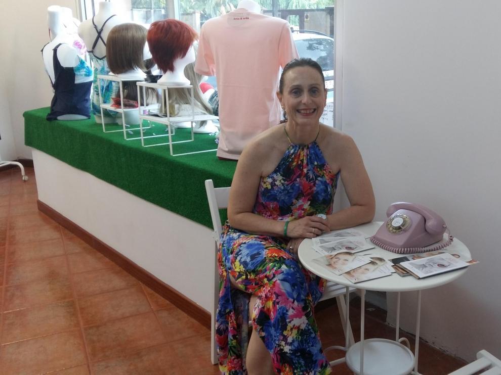 Ana Cristina López ha hecho realidad un sueño con su proyecto para ayudar a mujeres con cáncer 'Rosa en positivo'.