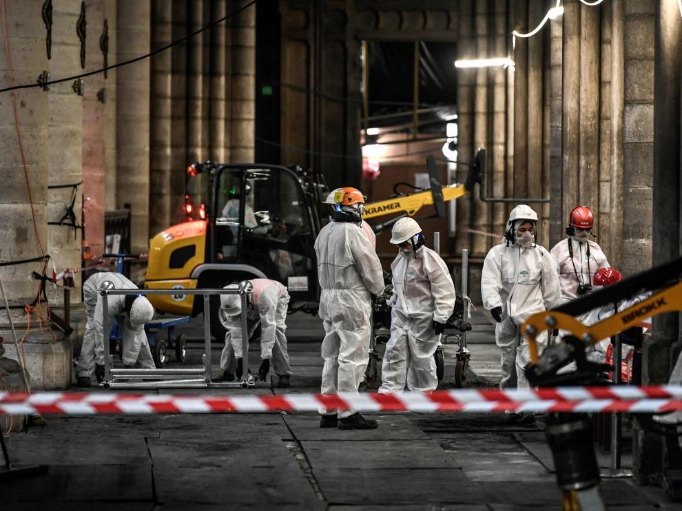 Continúan las tareas de reparación del techo de la Catedral