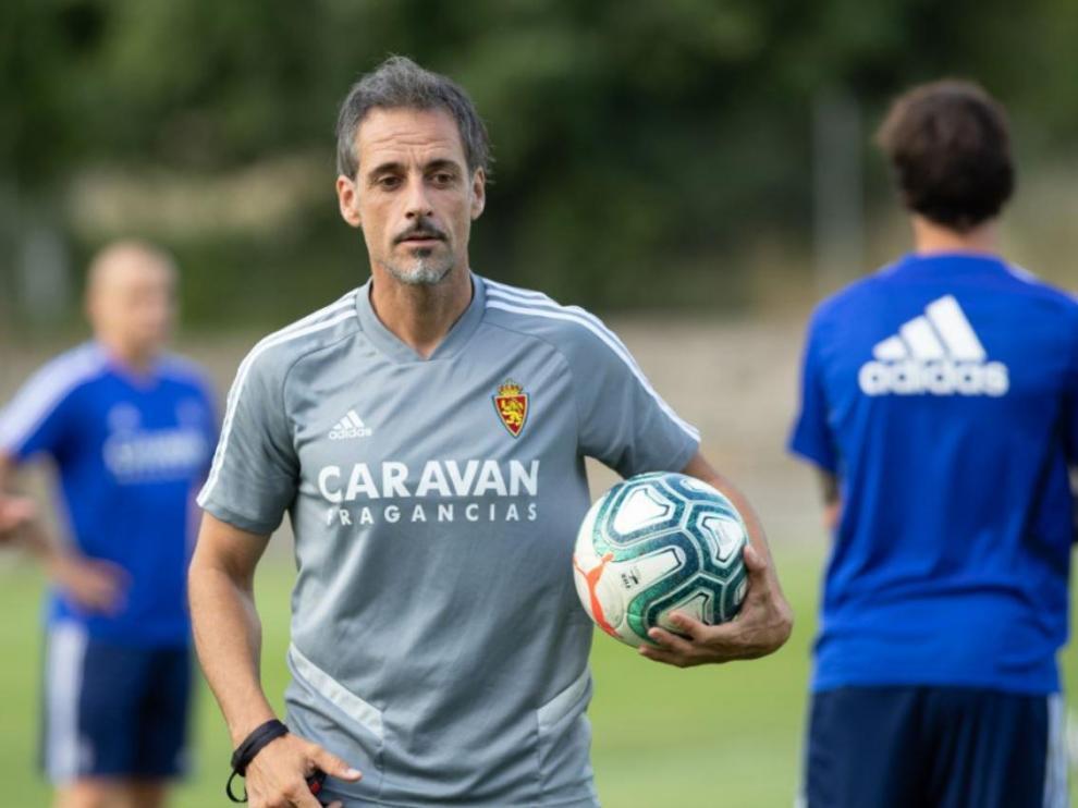 Roberto Cabellud, responsable de la preparación física en el cuerpo técnico de Víctor Fernández, en un momento de entrenamiento en Boltaña (Huesca).