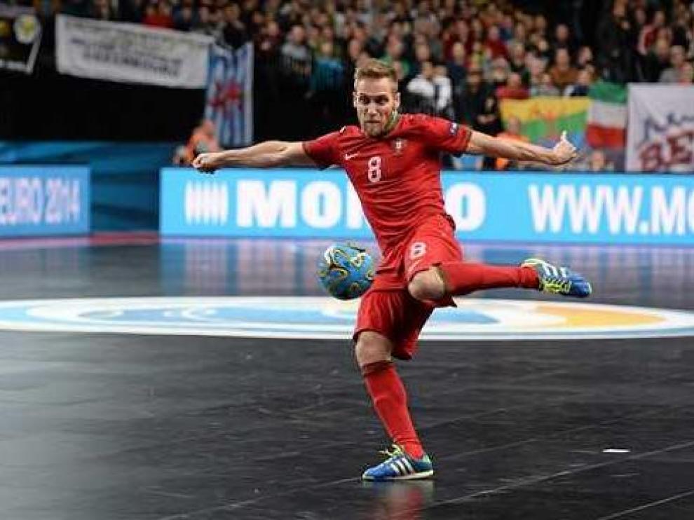 El internacional portugués Pedro Cary, fichaje estrella del Fútbol Emotion Zaragoza