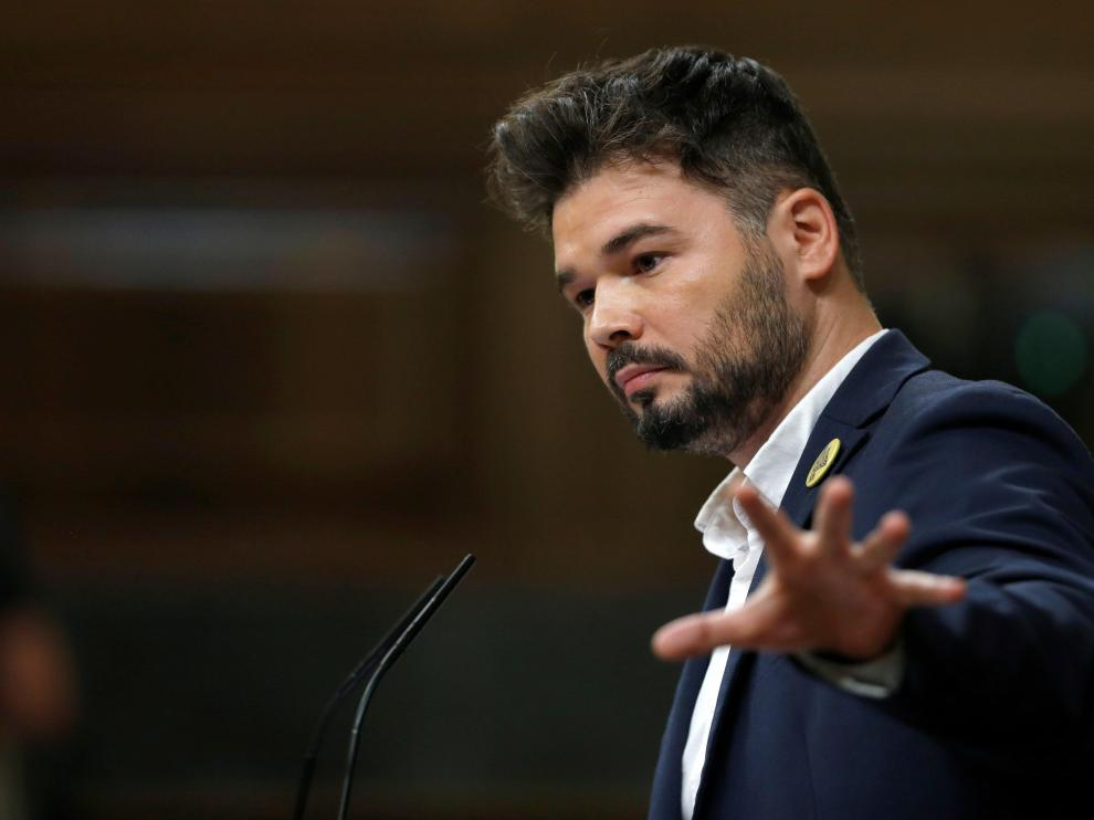 El portavoz de ERC, Gabriel Rufián, ha reanudado con su intervención el debate de investidura, este martes en el Congreso, la segunda jornada del debate del candidato socialista,