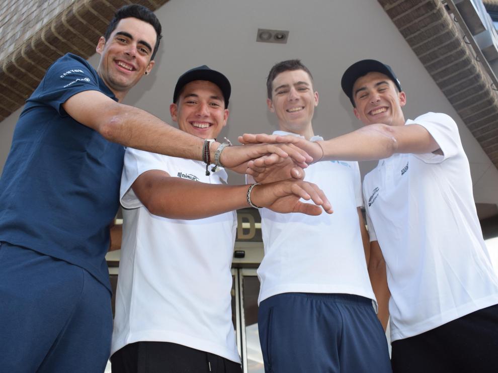 El serrablés Jorge Arcas (Movistar), el oscense Fernando Barceló (Euskadi Murias), el jaqués Jaime Castrillo (Movistar) y el barbastrense Sergio Samitier (Euskadi Murias)
