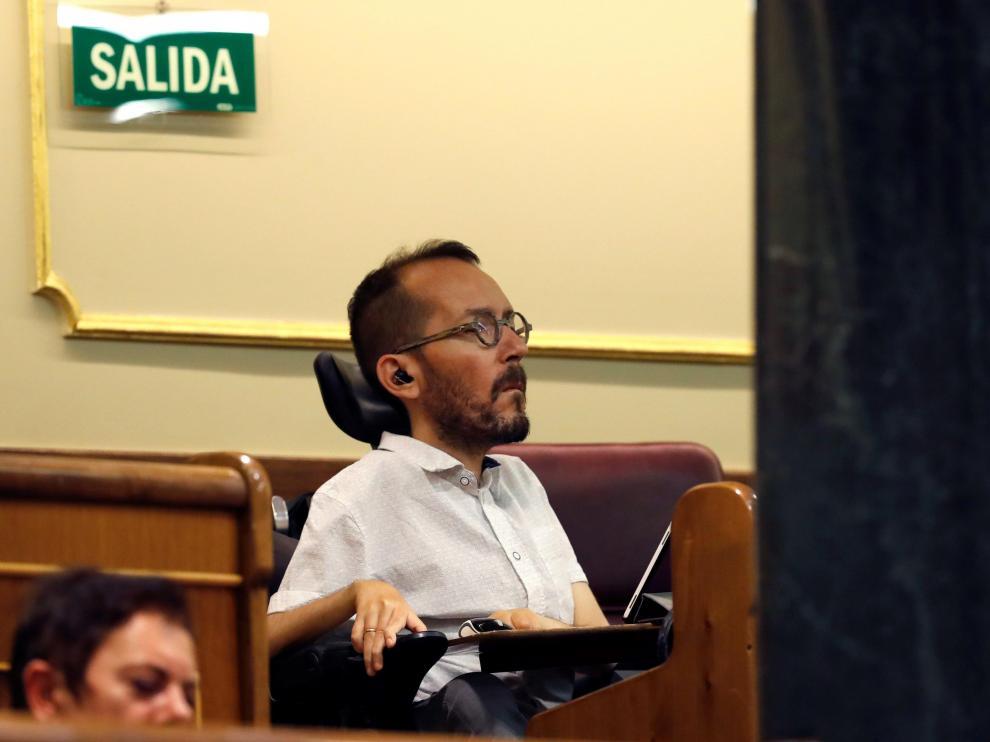 El secretario de Acción de Gobierno y Acción Institucional de Podemos, Pablo Echenique, en el Congreso.