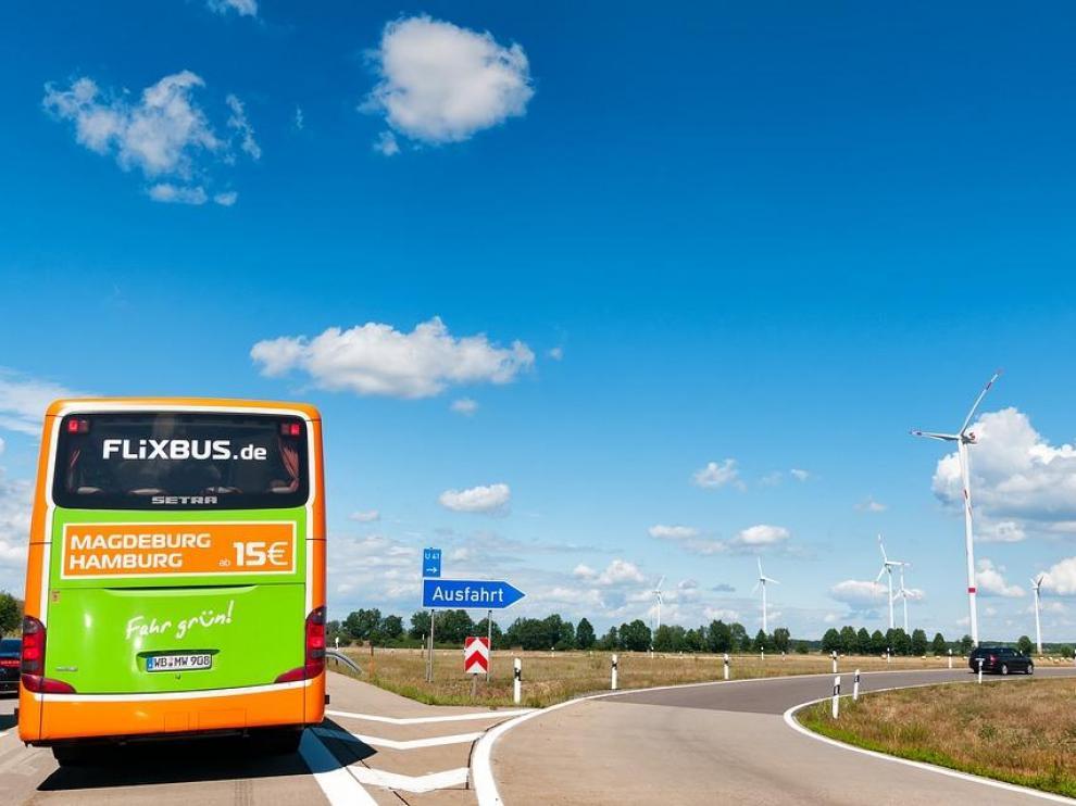 Autobús de la compañía Flix Movility