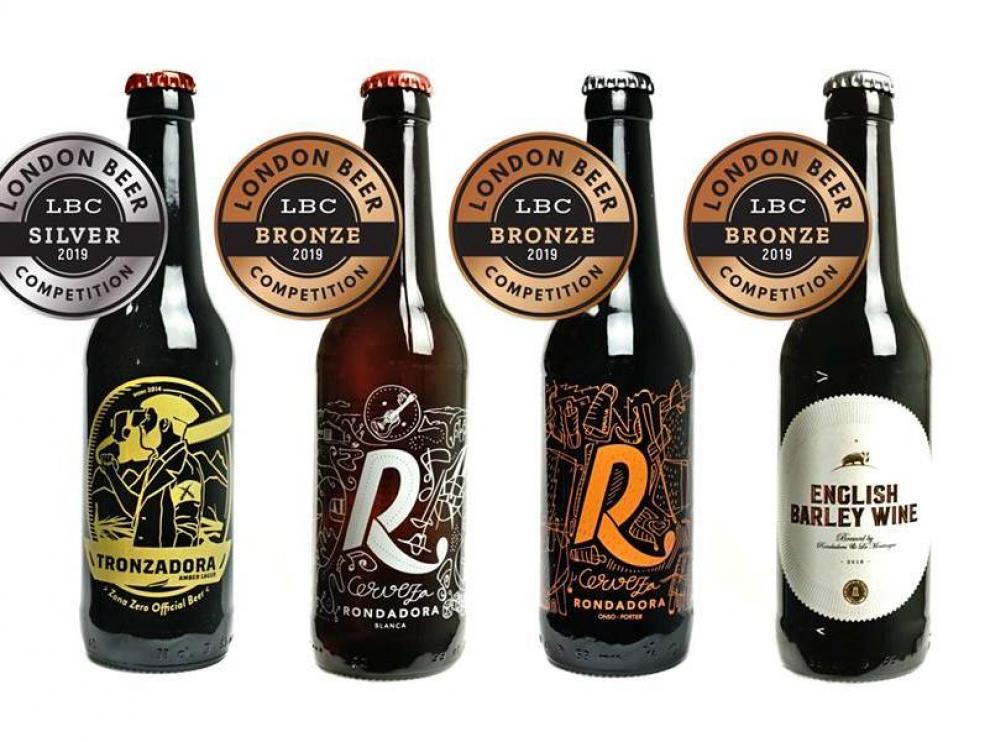 Las cuatro cervezas de la marca de Sobrarbe premiadas en el concurso de Londres.