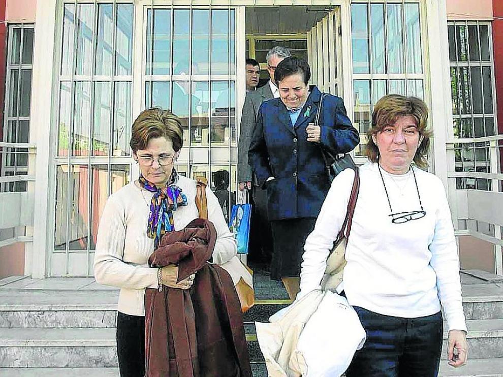 Familiares de víctimas fueron al Instituto Adli Tip de Estambul en 2004 para las pruebas de ADN.