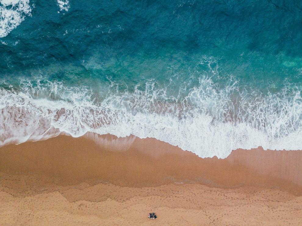 A la orilla del mar.