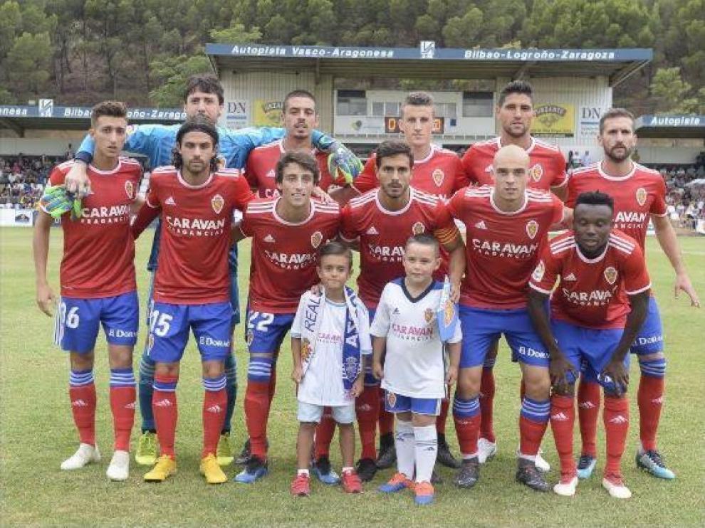 Once inicial del Real Zaragoza en Tudela el año pasado, en julio de 2018. Arriba: Baselga, Cristian Álvarez, Verdasca, Nieto, Grippo, Benito; abajo: Buff, Delmás, Javi Ros, Pombo e Igbekeme. El marcador fue 0-0.