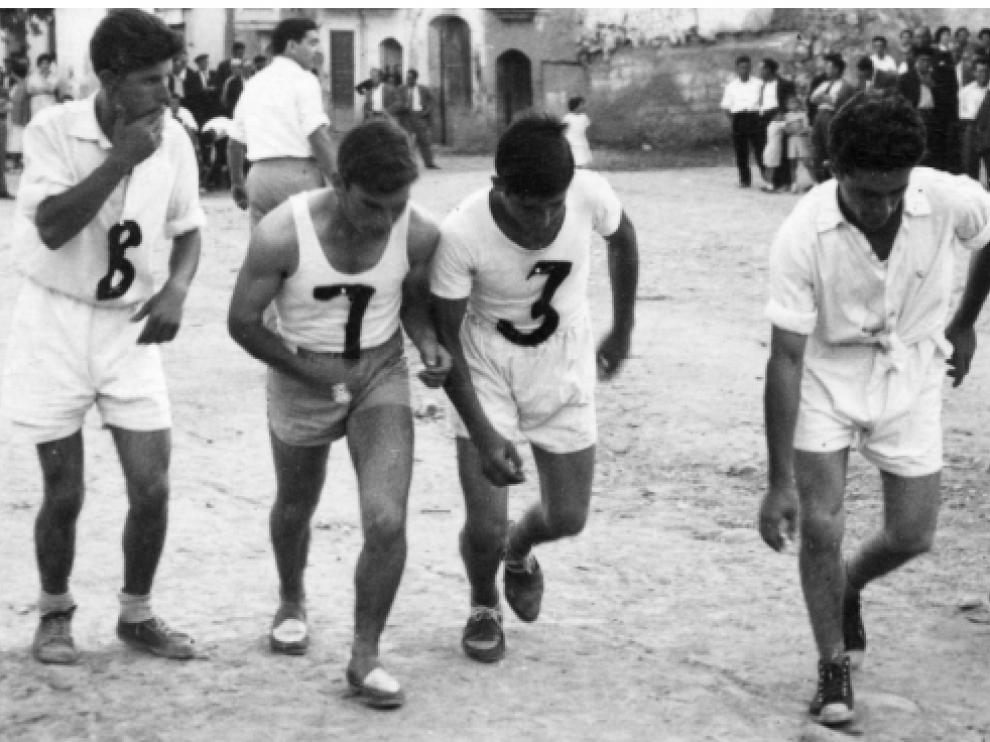 """Imagen de archivo de la carrera del Gall en Albelda, también conocida como """"carreras de pollos""""."""