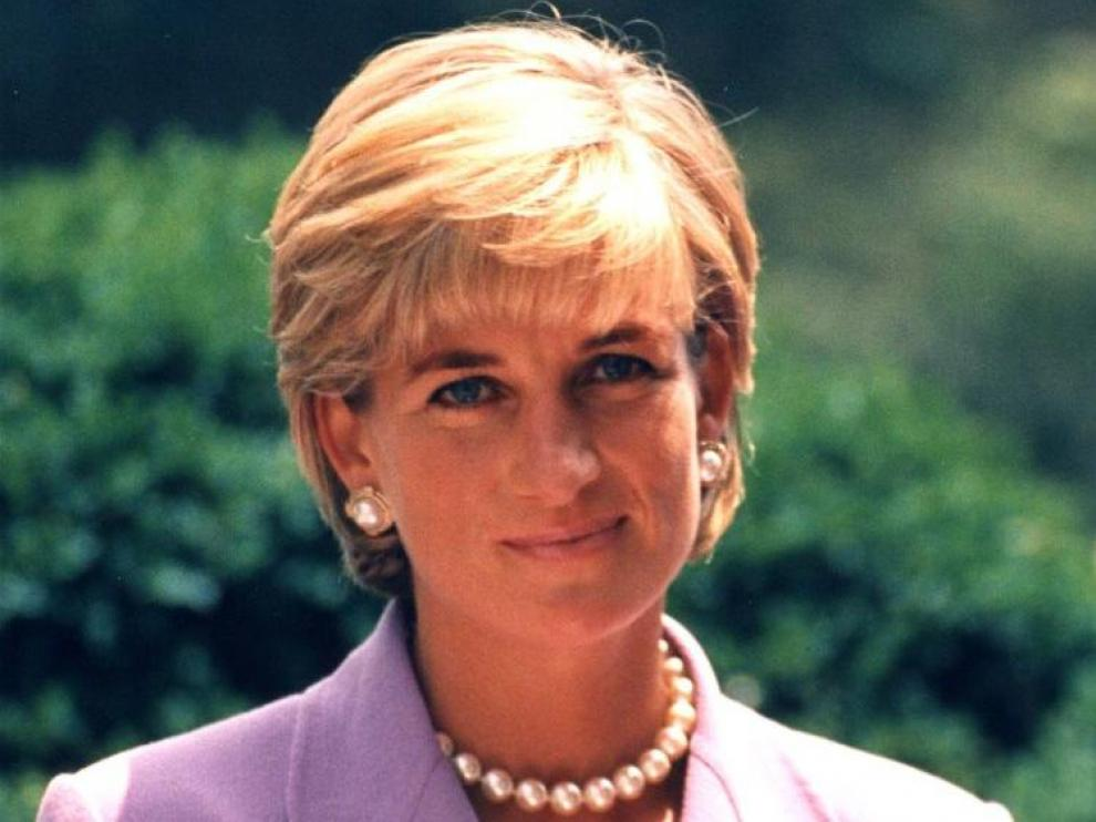 PRINCESS DIANAPRINCESS OF WALES1996 WASHINGTON DCPHOTO WAS ON THE COVER OF US NEWS MAGAZINE AND WAS THE BEST SELLING ISSUE IN 70 YEARS.