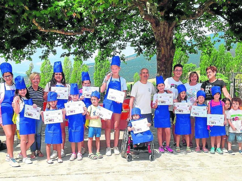 Participantes en el concurso de cocina previo a las fiestas mayores, que arrancarán el viernes.