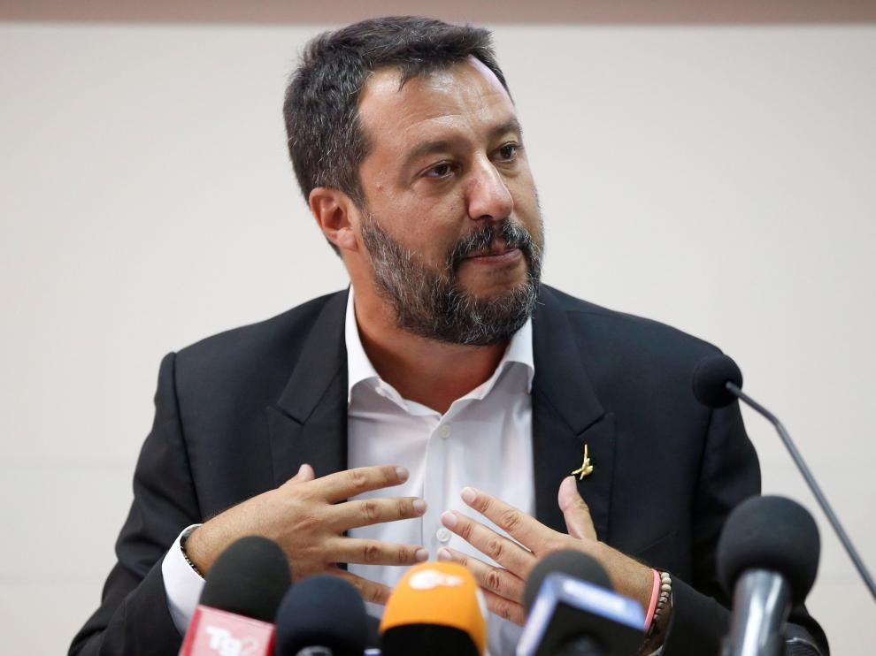 Italian Deputy PM Matteo Salvini gestures as he holds a news conference in southern Italy on a bank holiday as the government crisis continues, in Castel Volturno, Italy August 15, 2019. REUTERS/Ciro de Luca [[[REUTERS VOCENTO]]] ITALY-POLITICS/