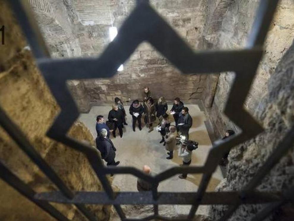 Visita a la desconocida cripta de la Parroquieta de la Seo
