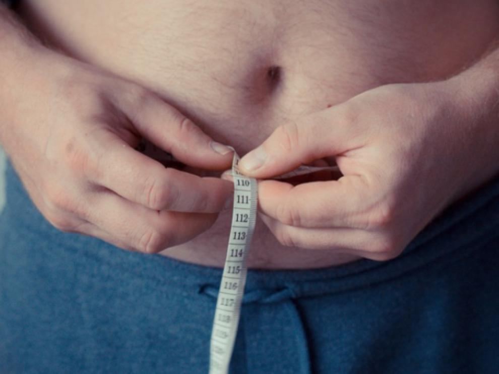 En 2017, un 18,2% de hombres adultos y un 16,7% de mujeres padecían obesidad en España